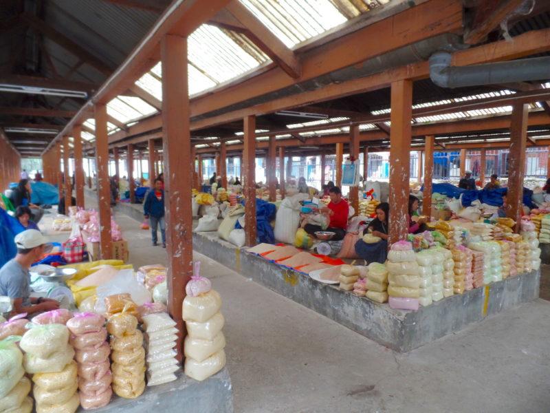 ブータンのローカルマーケット