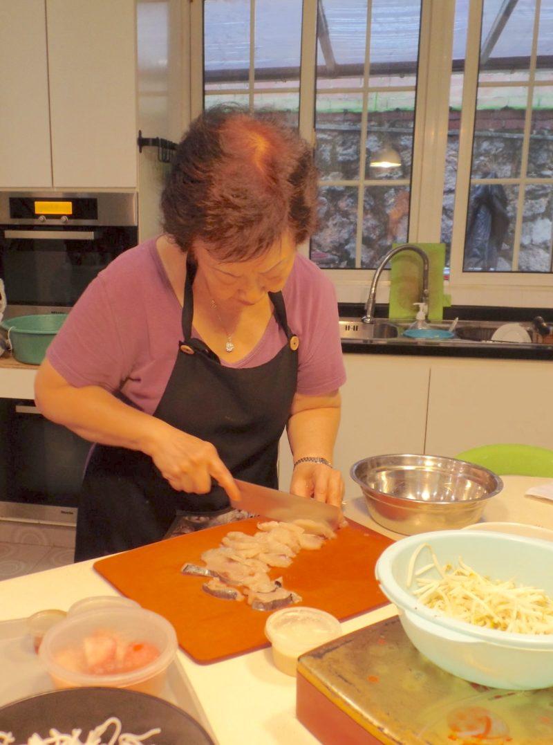 シンガポール料理ミーシアムの料理教室、マダムが自宅で教えてくれる