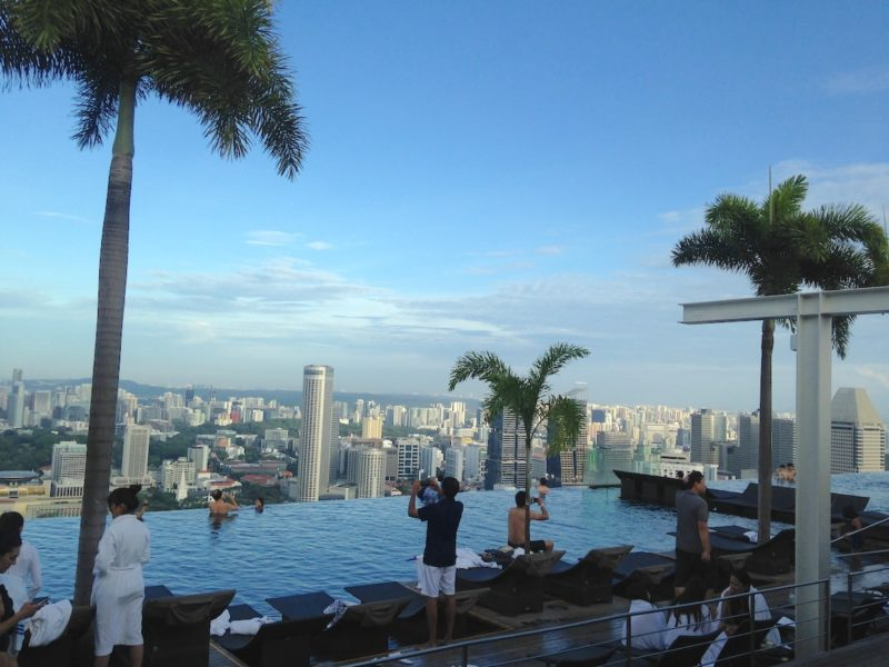 シンガポールのマリーナベイサンズ屋上